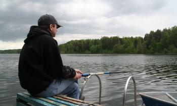 Пока рыболовы готовятся протестовать против нового варианта закона о любительской рыбалке, Росрыболовство выявляет нарушения в законодательствеВ ходе провер