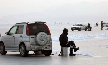 Машины на льду