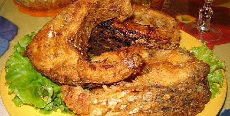Ребрышки сазана в ароматном маринаде, запеченные на углях