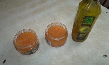 Готовый продукт и оливковое масло