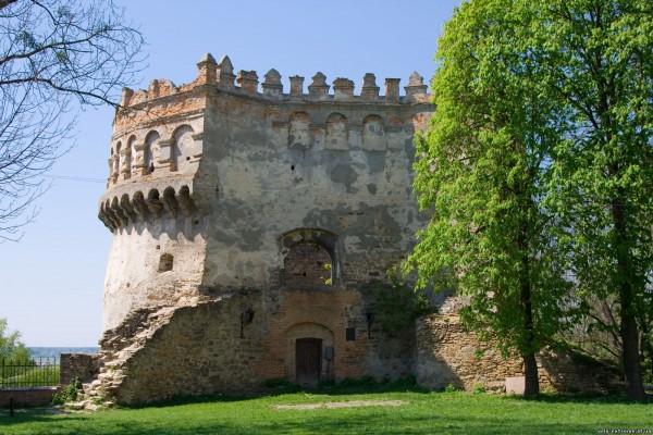 Острожский замок