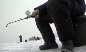 Рыбак на судака