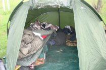 Раскладушка в походе и походных условиях